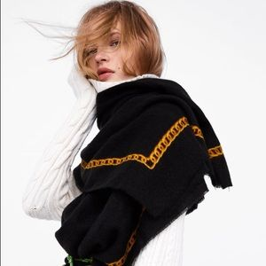 🆕 Zara Scarf with Chain details